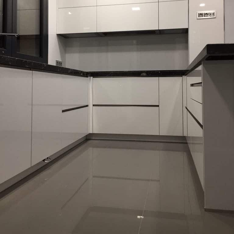 kitchen-tiling